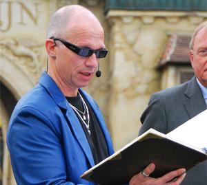 Paul van Loon vertelt voor op de previewsdag'